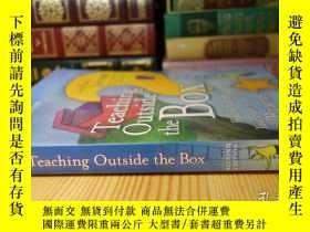 二手書博民逛書店Teaching罕見Outside the Box: How to Grab Your Students by T