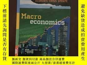 二手書博民逛書店Macroeconomics罕見Economic Crisis