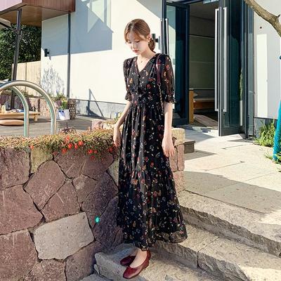 短袖洋裝連身裙~9263黑色顯瘦氣質裙子碎花 V領短袖松緊腰荷葉邊大擺女裙H325日韓屋