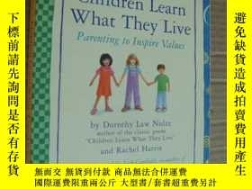 二手書博民逛書店Children罕見Learn What They Live:P