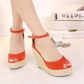 夏季韓版魚嘴潮女鞋坡跟超高跟涼鞋橡膠底防水台扣帶純色草編