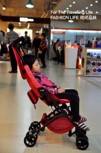 【時尚品味】嬰兒車出租 日本口袋型推車 POCKIT 新生兒 時尚桃紅 推車出租!