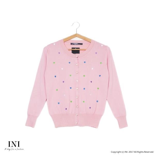 【INI】四季百搭、繽紛小刺繡愛心針織小外套.粉色
