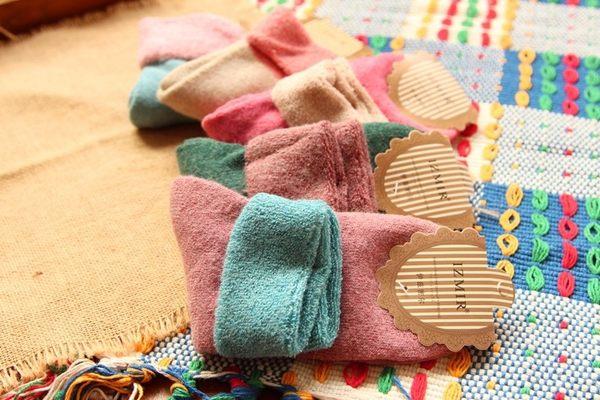 [協貿國際]  秋冬甜美日系糖果色翻口毛巾襪保暖襪 (3個價)