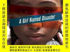 二手書博民逛書店【英文原版】A罕見Girl Named Disaster 一個叫