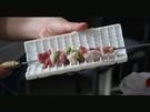 串肉器 快速串肉燒烤必備 穿串器 穿肉器 烤串器 穿肉盒 串肉片神器【AG570】《約翰家庭百貨