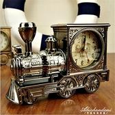 仿古火車頭造型創意鬧鐘塑料英倫經典復古機車外形時鐘禮品學生鐘 黛尼時尚精品