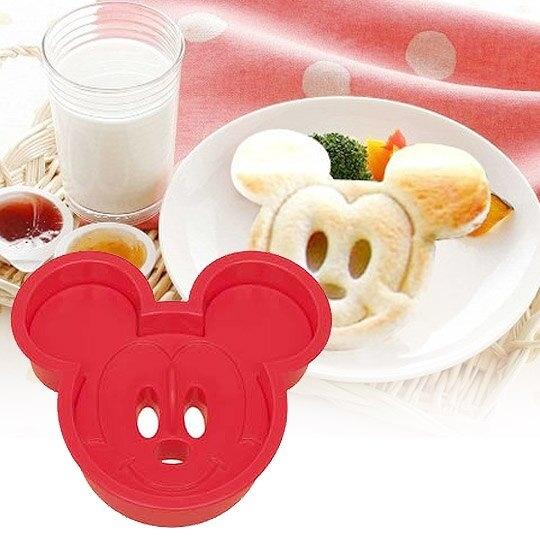 小禮堂 迪士尼 米奇 日製 大臉造型吐司壓模 餅乾模具 三明治壓模 (紅) 4973307-12209