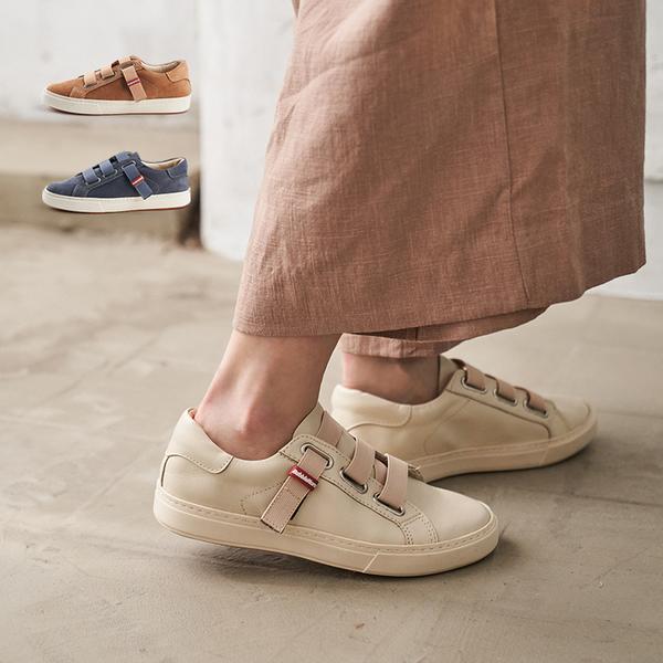 天台的日光小皮鞋