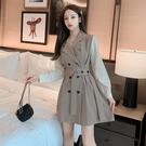 VK精品服飾 韓國風名媛西裝V領排扣繫帶紐扣長袖洋裝
