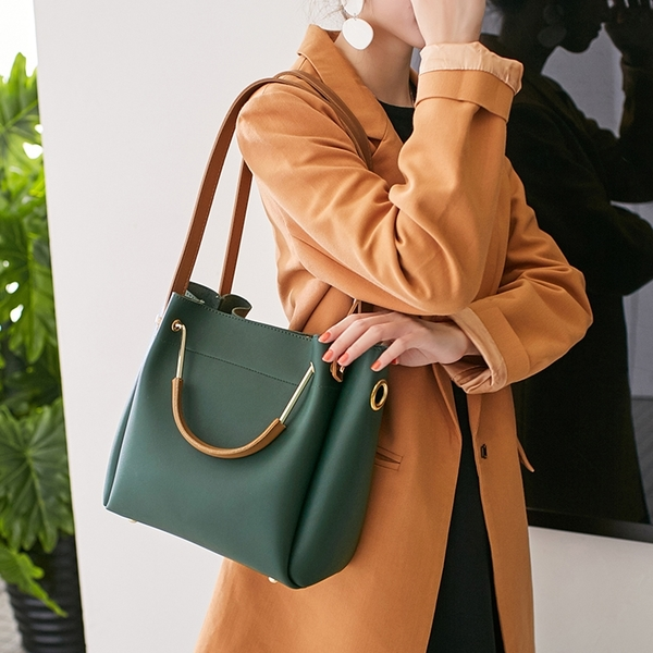【全網熱銷】新款女包水桶包潮韓版簡約百搭斜背包手提包側背包大包 夏季上新