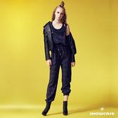 【SHOWCASE】率性風金蔥英倫格紋休閒縮腰束口吊帶連身褲(藍)