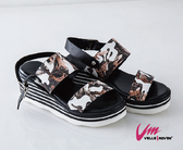 Velle Moven 涼鞋 迷彩網格波跟涼鞋  涼夏必備 /咖啡色