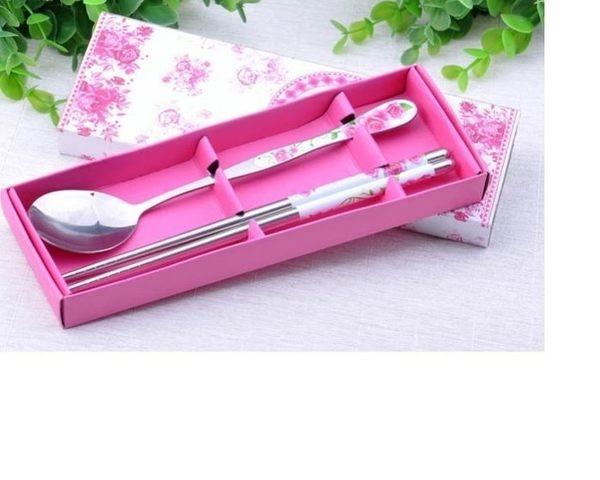 婚禮小物~~2入粉玫瑰情緣筷勺餐具禮盒/盒