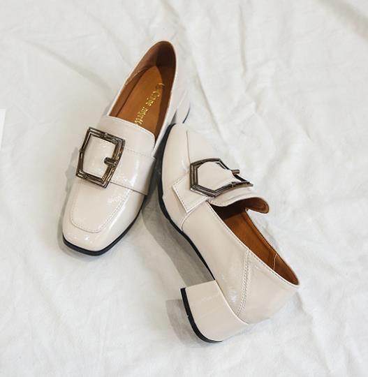 單鞋百搭粗跟中跟樂福鞋軟妹英倫小皮鞋2色