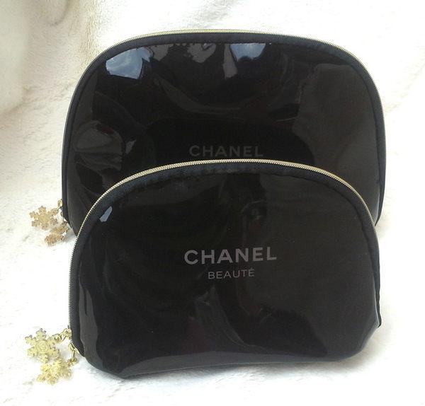 chanel 黑色亮皮雪花 化妝品贈品包(大)25*15*7cm-f000037
