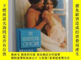 二手書博民逛書店The罕見surrender of nora 英文原版口袋書Y1