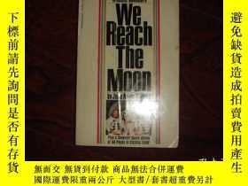 二手書博民逛書店We罕見reach the moon 我們到達了月球【1969首