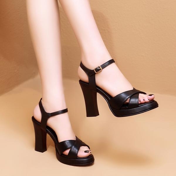 2021夏季新款百搭高跟鞋女時尚一字扣粗跟厚底涼鞋露趾真皮鞋子潮