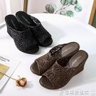 洞洞鞋 夏季新款女士水晶厚底坡跟塑料涼鞋...