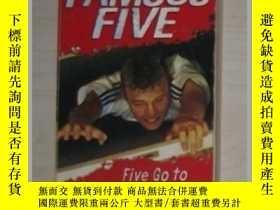 二手書博民逛書店Famous罕見Five 4: Five Go to Smugg
