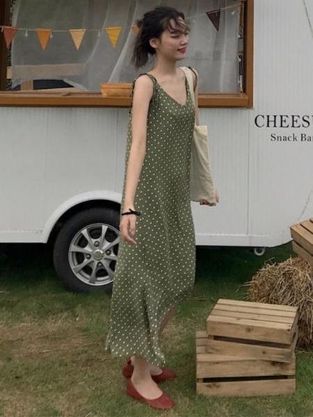 春夏新款韓版小清新波點吊帶裙子氣質很仙的法國小眾 春季特賣