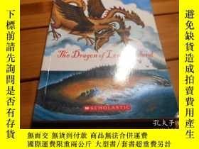 二手書博民逛書店THE罕見DRAGON OF LONELY JSLAND 孤獨的