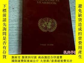 二手書博民逛書店The罕見United Nations DISARMAMENT