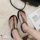 網紅羅馬涼鞋海邊女夏鉚釘夾趾沙灘鞋平底泰國百搭度假 魔法街