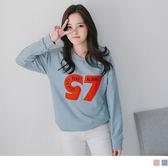 OrangeBear《AB2112》數字拼縫綴英文刺繡X繽紛毛球粉嫩落肩衛衣上衣.2色--適 XL~5L