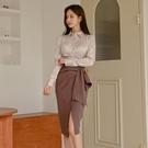 歐媛韓版 秋冬兩件套女新款OL時尚壓褶百搭襯衫修身職業半身裙套裝洋裝 店慶降價