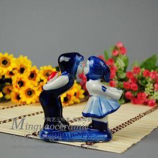 陶瓷親吻情侶人物雕像