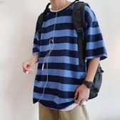 港風短袖t恤男韓版潮流夏季五分袖上衣百搭條紋半袖男寬鬆衣服