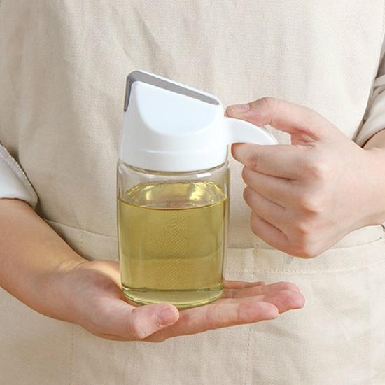玻璃油壺 油瓶 油罐 自動掀蓋 可回油 300ml 防漏 分裝瓶 醬油瓶 自動翻蓋調味瓶【Q086】米菈生活館