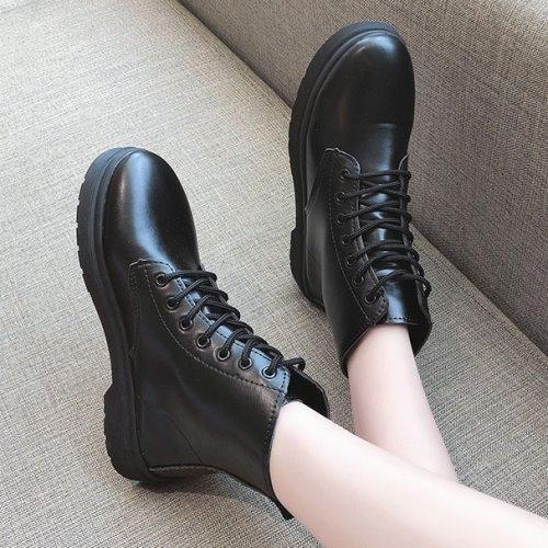 靴子.街頭英倫風綁帶平底圓頭馬丁靴.白鳥麗子