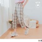 《BA5581》日系休閒高含棉格紋腰鬆緊直筒七分褲 OrangeBear