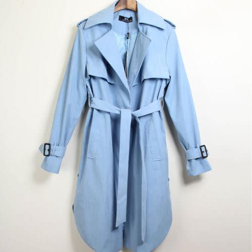 風衣 艾爾莎 倫敦氣息收腰綁帶修身顯瘦翻領弧擺開衩風衣外套【TAE4143】