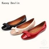 淺口平底單鞋 牛漆皮休閒舒適蝴蝶結方頭芭蕾舞鞋 女鞋子【Kacey Devlin 】