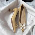 森嶼海巷 2021新款法式婚鞋軟皮花朵文藝伴娘甜美復古高跟單鞋女 快速出貨