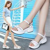 中跟涼鞋涼鞋女夏季新款坡跟厚底中跟一字帶平底百搭仙女風晚晚鞋 可然精品