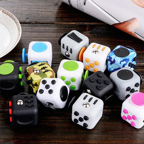 【Love Shop】美國6面流行減壓骰子 抗煩躁 緩解壓力 抗焦慮 發洩骰子 減壓骰子 魔方玩具 Fidget Cube