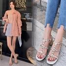 手工真皮女鞋34-39 2020新款歐美時尚牛皮鉚釘丁字帶方頭中跟涼鞋 OL工作鞋 ~2色