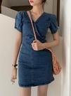 牛仔洋裝 復古氣質小眾范牛仔包臀連身裙新款春夏顯瘦高腰短裙子法式a字裙