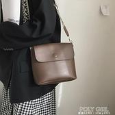 側背包 包包女新款潮網紅水桶包小眾設計單肩大容量包百搭ins側背包 夏季新品