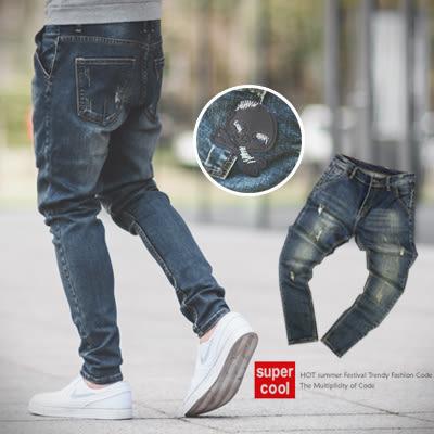 牛仔褲 皮革骷髏小抓破刷色小直統牛仔褲【N9847J】