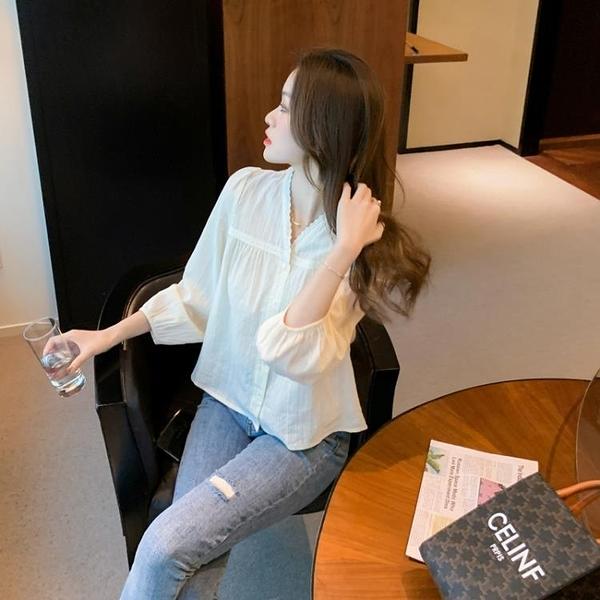 棉麻襯衫女設計感小眾蕾絲花邊別致上衣春裝新款洋氣V領小衫 衣櫥秘密