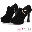 *MOM* 幾何釦飾時尚高防水台高跟短靴 踝靴 黑 35-39碼【現+預】