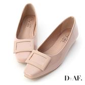 D+AF 質感典藏.大方釦漆皮方頭娃娃鞋*粉