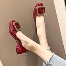 方頭奶奶鞋女粗跟低跟皮帶扣水鑚單鞋中跟豆豆鞋法式少女高跟鞋女 黛尼時尚精品
