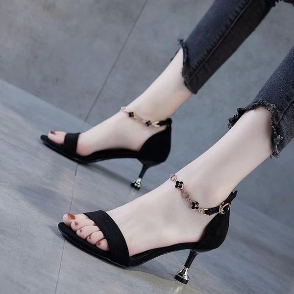 低跟鞋 達芙妮涼鞋女夏天2021新款細跟高跟一字帶高跟鞋5cm貓跟黑色